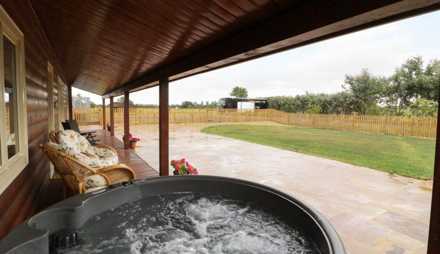 The Lodge Bampton Hot Tub