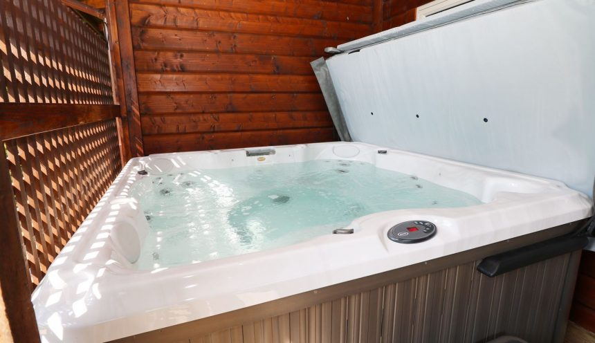 Kipling Lodge Hot Tub