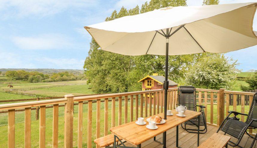 Sunnyside Lodge Deck