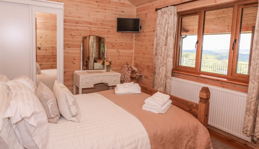 The Firs, Llanidloes - Bedroom